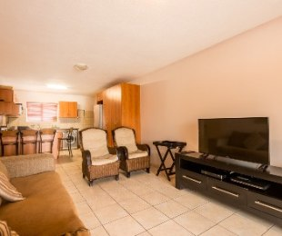 R 1,180,000 - 3 Bed Flat For Sale in Hartenbos