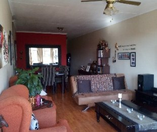 R 579,000 - 2 Bed Flat For Sale in Florida