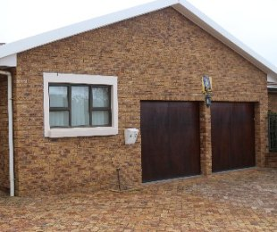 R 2,950,000 - 3 Bed Property For Sale in Protea Valley