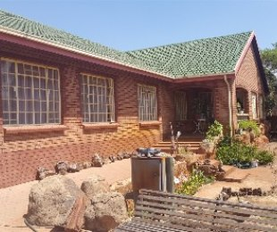 R 1,250,000 - 3 Bed Home For Sale in Ninapark