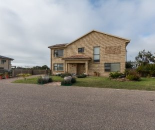 R 3,090,000 - 3 Bed Property For Sale in Reebok