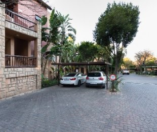 R 850,000 - 1 Bed Property For Sale in Magaliessig