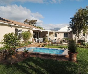 R 2,650,000 - 3 Bed Property For Sale in Dieprivier