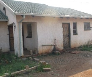 R 290,000 - 2 Bed House For Sale in Soshanguve