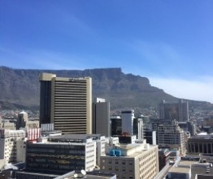 R 3,995,000 - 2 Bed Flat For Sale in Cape Town - City Bowl