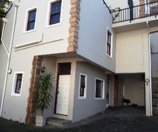 R 2,395,000 - 2 Bed Flat For Sale in Wynberg Upper