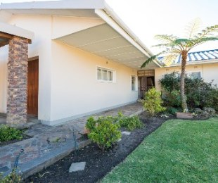 R 1,520,000 - 4 Bed House For Sale in Bergsig