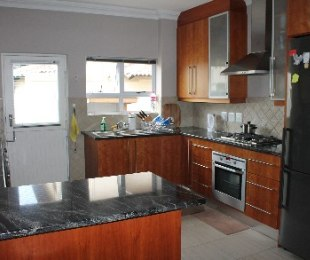 R 13,900 - 2 Bed Property To Rent in Eagle Canyon Golf Estate