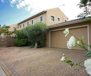 R 3,995,000 - 3 Bed Home For Sale in Graanendal