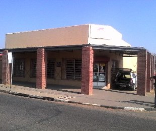 R 1,650,000 - 3 Bed Commercial Property For Sale in Forest Hill