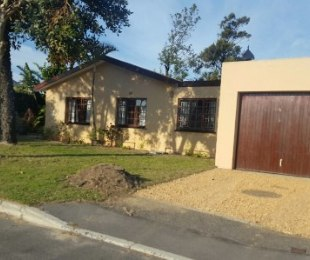 R 1,950,000 - 3 Bed House For Sale in Bothasig