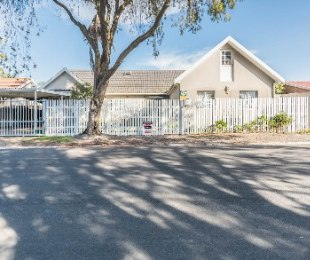R 2,590,000 - 3 Bed Home For Sale in Stellenridge