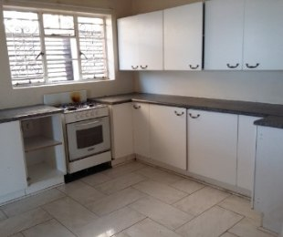 R 11,000 - 3 Bed Home For Sale in Reynolds View