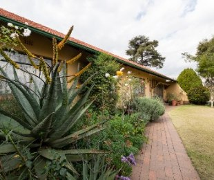 R 1,700,000 - 4 Bed House For Sale in Kensington B