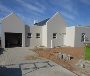 R 995,000 - 3 Bed House For Sale in Vredenburg