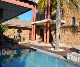 R 4,695,000 - 4 Bed House For Sale in Vierlanden