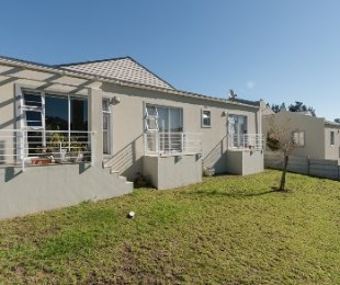 R 1,495,000 - 3 Bed Home For Sale in Stellenbosch