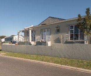 R 1,450,000 - 3 Bed Property For Sale in Stellenbosch