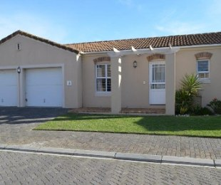 R 2,495,000 - 3 Bed House For Sale in Pinehurst