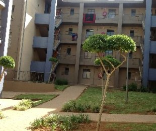R 460,000 - 2 Bed Property For Sale in Jabulani