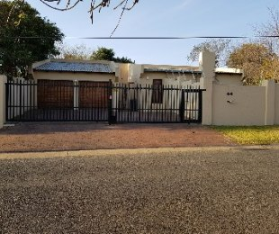 R 11,500 - 4 Bed Home To Rent in Kensington B