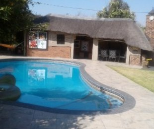 R 3,100,000 - 4 Bed House For Sale in Buurendal