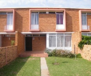 R 680,000 - 3 Bed Property For Sale in St Helena