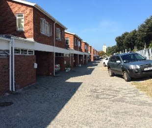 R 1,650,000 - 3 Bed Flat For Sale in Lakeside