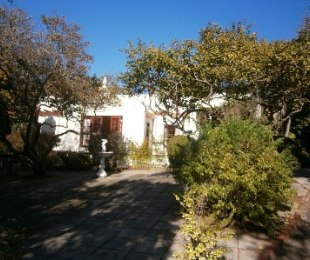 R 6,995,000 - 2 Bed House For Sale in Constantia