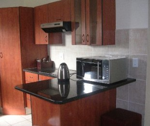 R 10,800 - 2 Bed Apartment To Rent in Eagle Canyon Golf Estate