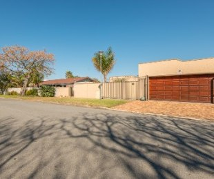 R 1,850,000 - 3 Bed Home For Sale in Loerie Park