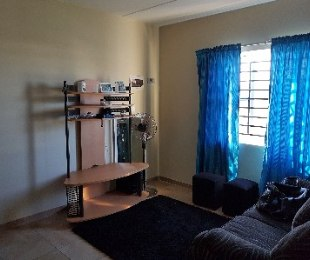 R 400,000 - 2 Bed Flat For Sale in Scottsdene