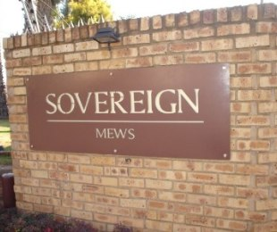 R 2,600,000 - 3 Bed Property For Sale in Bedford Gardens
