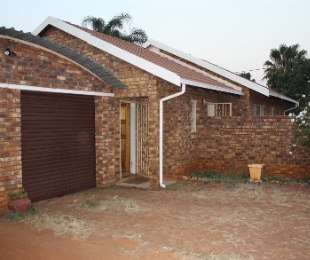 R 795,000 - 3 Bed House For Sale in Chantelle