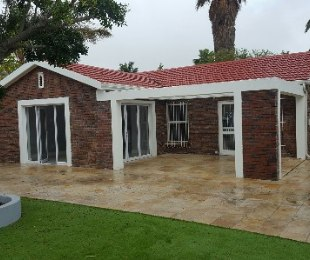 R 2,590,000 - 3 Bed House For Sale in Table View