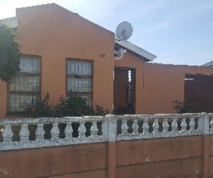 R 699,000 - 3 Bed House For Sale in Eersterivier
