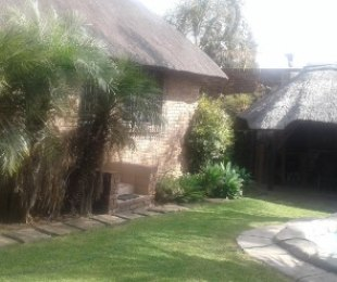 R 2,300,000 - 4 Bed Property For Sale in Marais Steyn Park