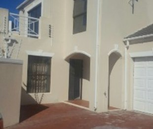 R 4,000,000 - 4 Bed Home For Sale in Century City