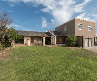 R 3,990,000 - 4 Bed Home For Sale in Van Riebeeckstrand