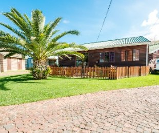 R 580,000 - 2 Bed Property For Sale in Groot Brakrivier