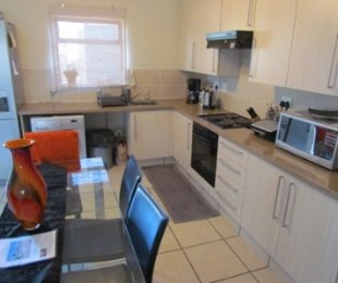 R 9,200 - 2 Bed Flat To Rent in Fourways