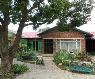R 750,000 - 3 Bed Property For Sale in Doorn