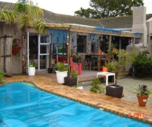 R 2,895,000 - 5 Bed Property For Sale in Edgemead