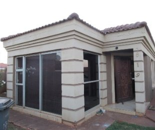 R 968,000 - 3 Bed House For Sale in The Orchards
