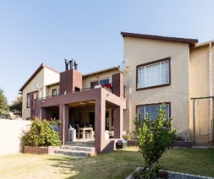R 785,000 - 2 Bed Flat For Sale in Northgate