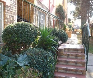 R 750,000 - 2 Bed Property For Sale in Marlands