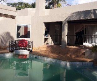 R 1,550,000 - 3 Bed House For Sale in Theresapark