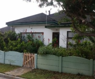 R 1,695,000 - 2.5 Bed House For Sale in Southfield