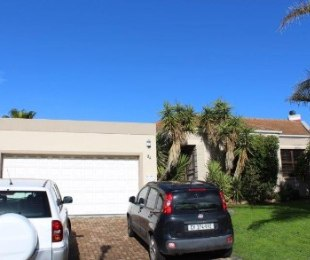 R 1,950,000 - 3 Bed House For Sale in Langeberg Heights