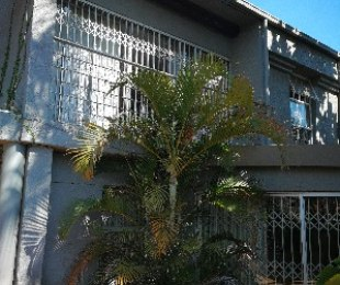 R 1,350,000 - 3 Bed Property For Sale in Waterkloof Glen